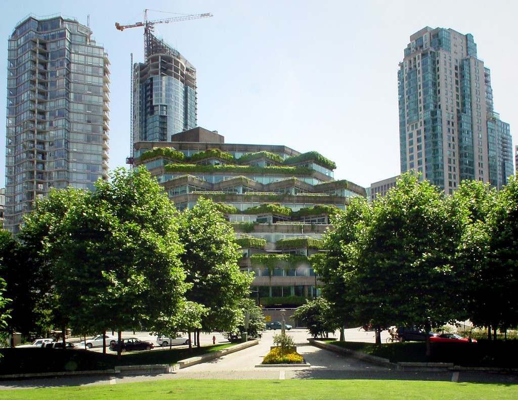 Evergreen Building | © Jason V / Flickr