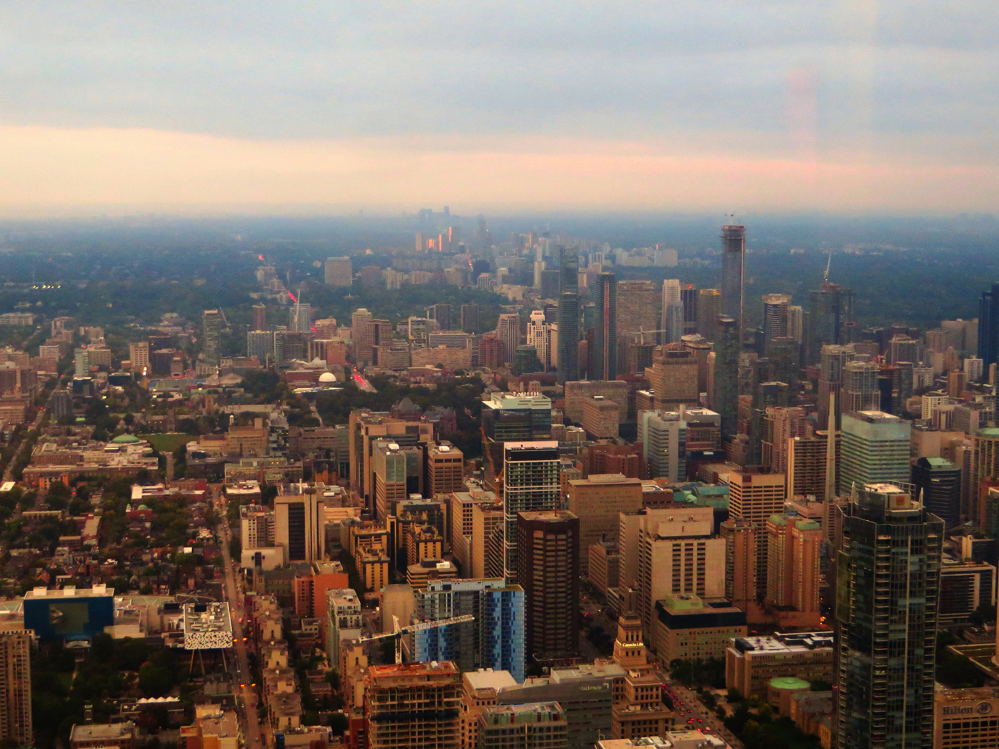 Looking north from Toronto's CN Tower | © Ken Lund/ Flickr