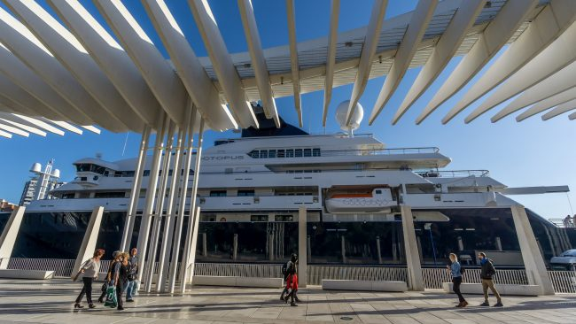 """<ahref=""""https://www.flickr.com/photos/truszko/"""">Málaga's port can now accommodate the largest yachts and cruise liners in the world 