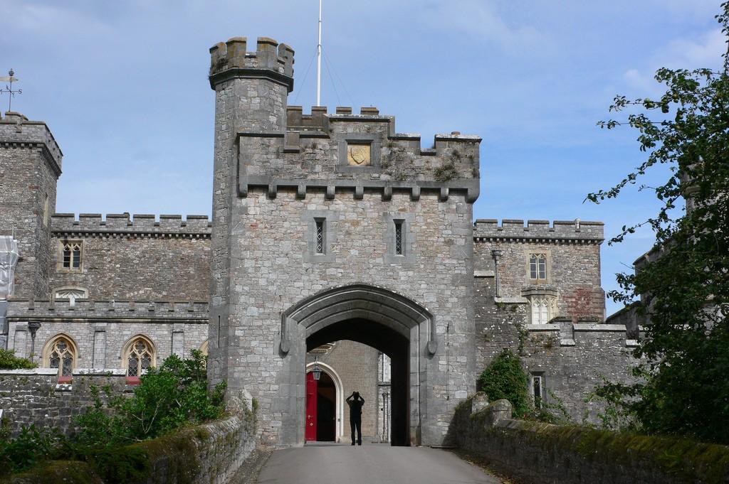 12 Incredible Castles In Devon And Cornwall Uk