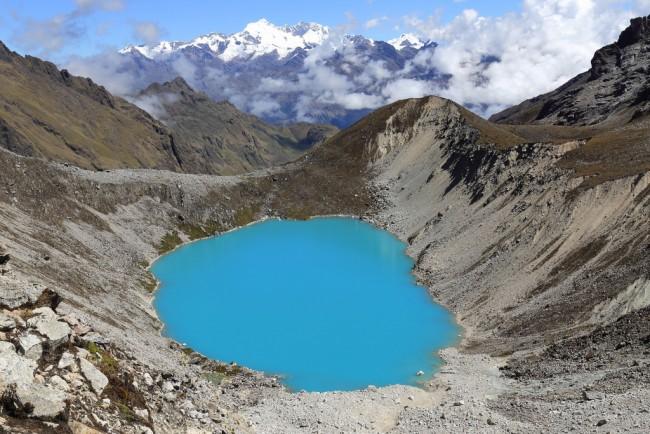 "<a href=""https://www.flickr.com/photos/70325100@N00/29193613753/in/photolist-bUeerX-LtJUha-Mg65a5""> Salkantay Lake|© Nanak26/Flickr</a>"