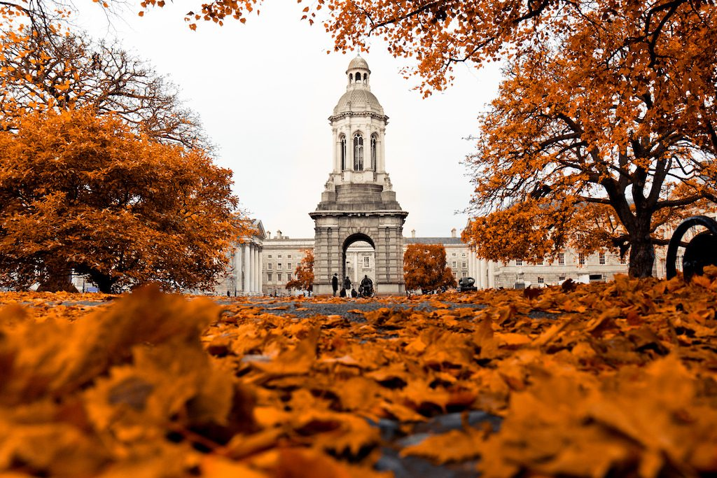 Trinity College Dublin in autumn | © Hernán Piñera/Flickr