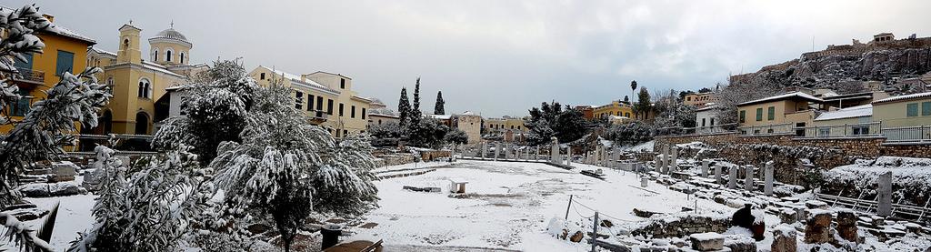 Athens under the snow | © Kostas Limitsios/Flickr