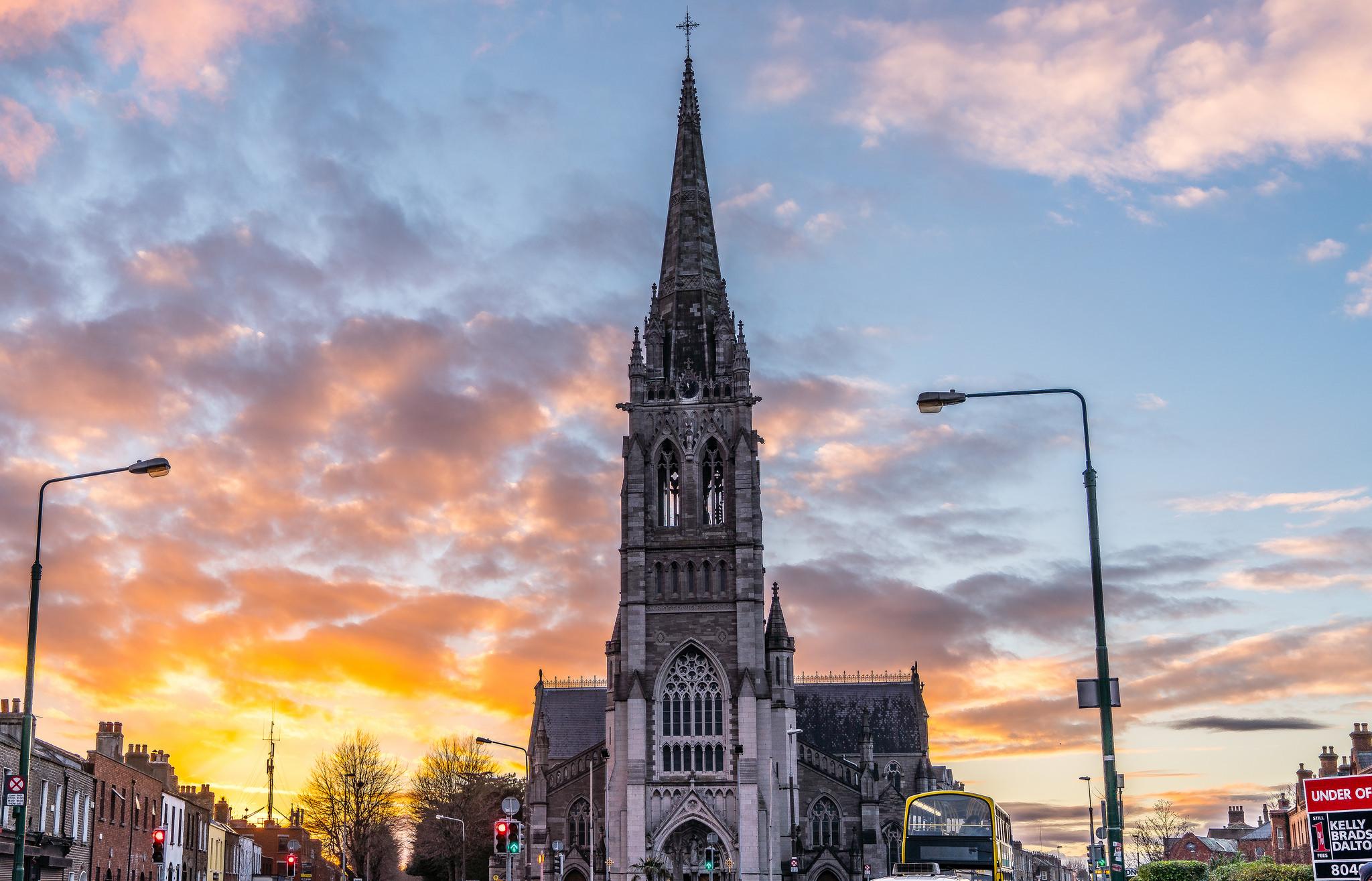Sunset behind St Peter's Church, Phibsborough | © William Murphy/Flickr