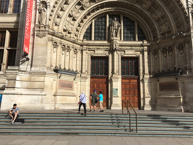 V&A museum entrance