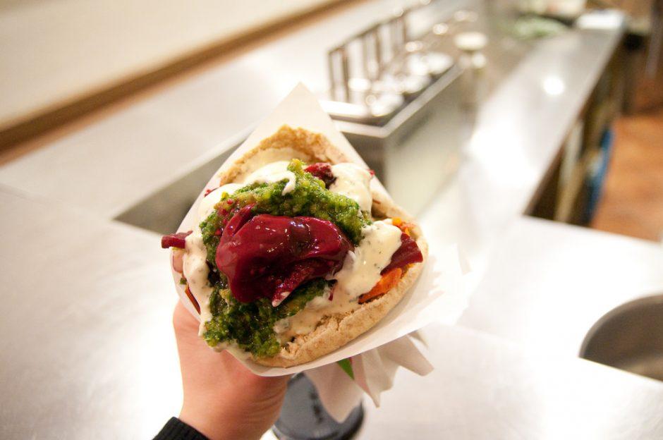 A Maoz sandwich © Anne Helmond