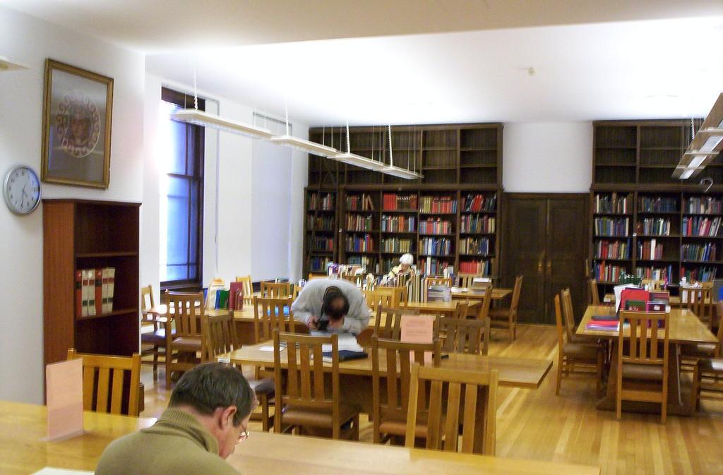 Reading room of the Blegen Library, Athens | © Karen Green/Flickr