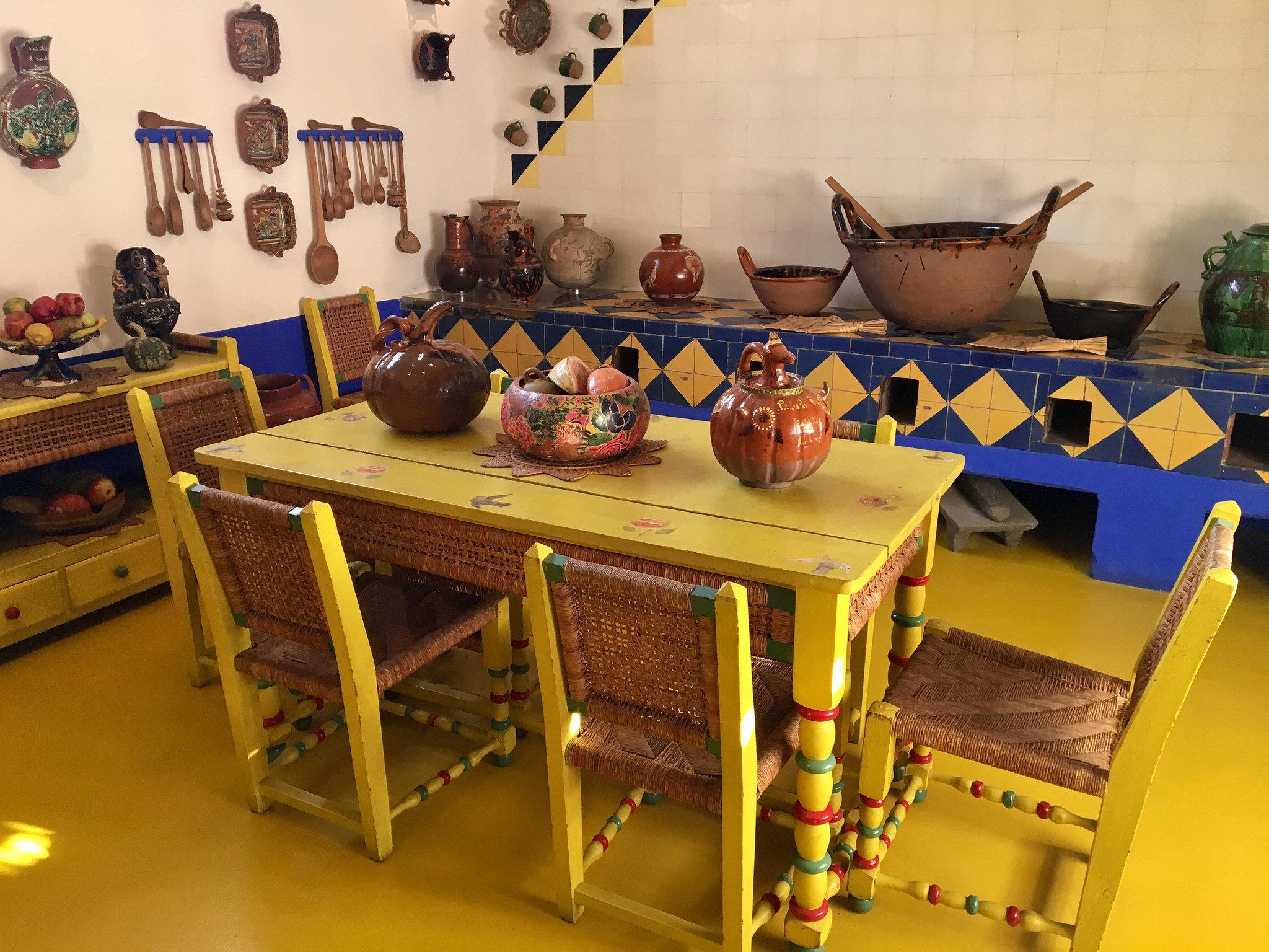 Frida's kitchen in the Casa Azul | © MollySVH/Flickr