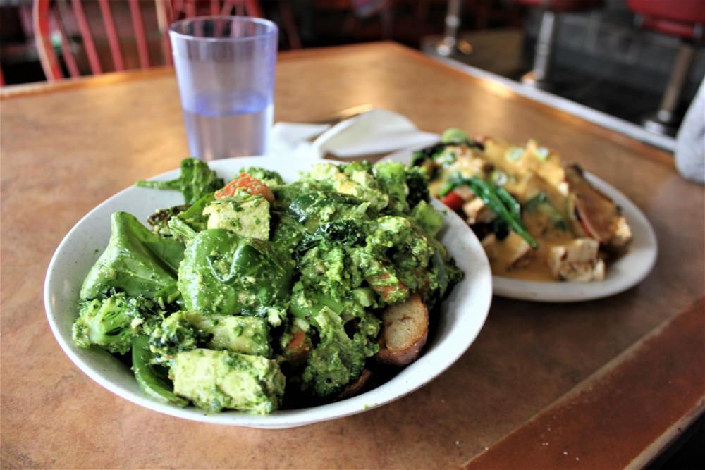 Paradox Diner | charlieontravel.com/Flickr