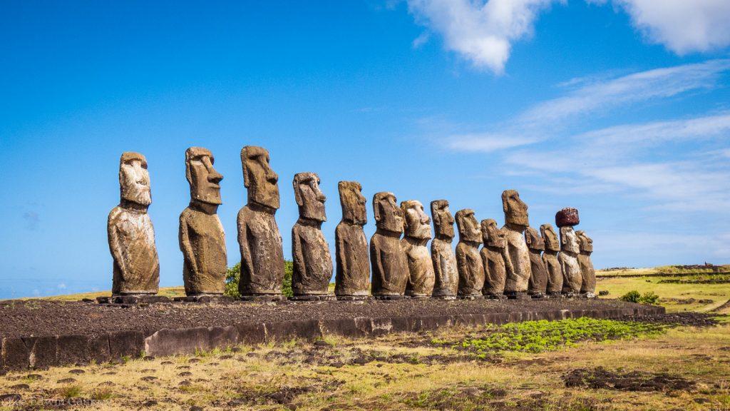 Delightful The Fifteen Moai | © Lee Coursey/Flickr
