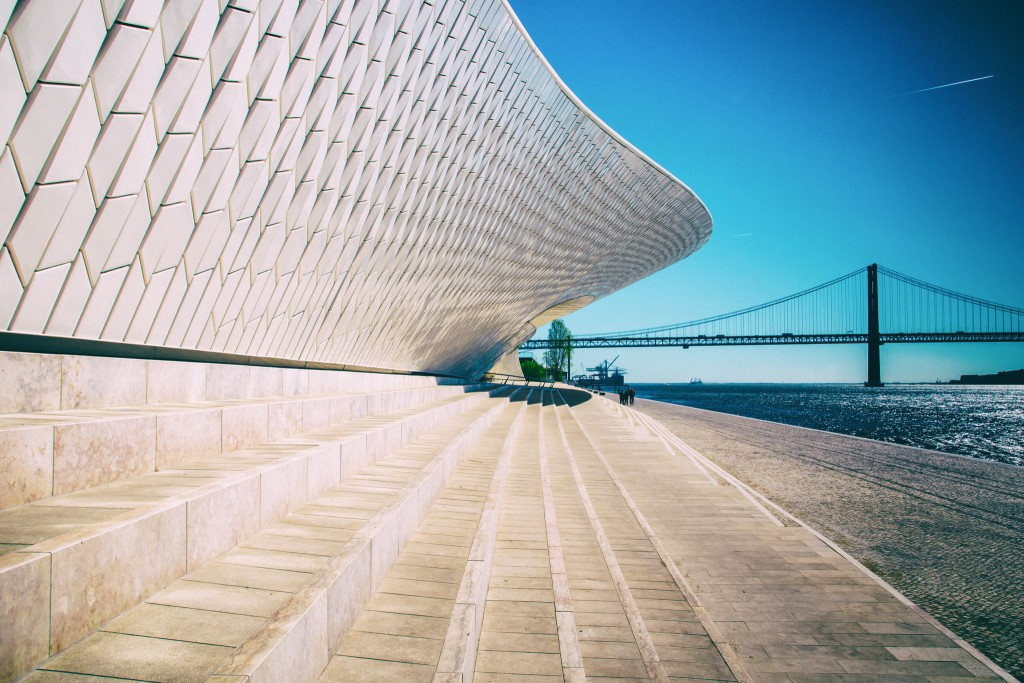 Visiting the MAAT is a cool new activity in Lisbon | © Maria Eklind / Flickr