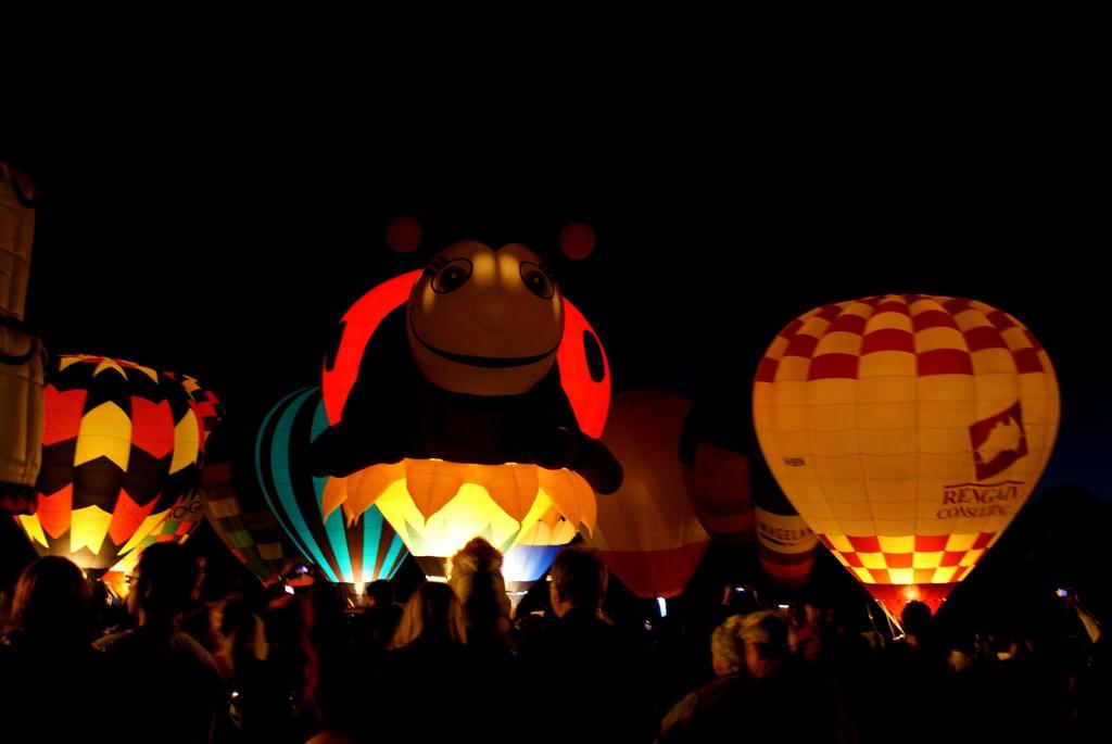 Hot Air Balloons in Hamilton | © Sara K/Flickr