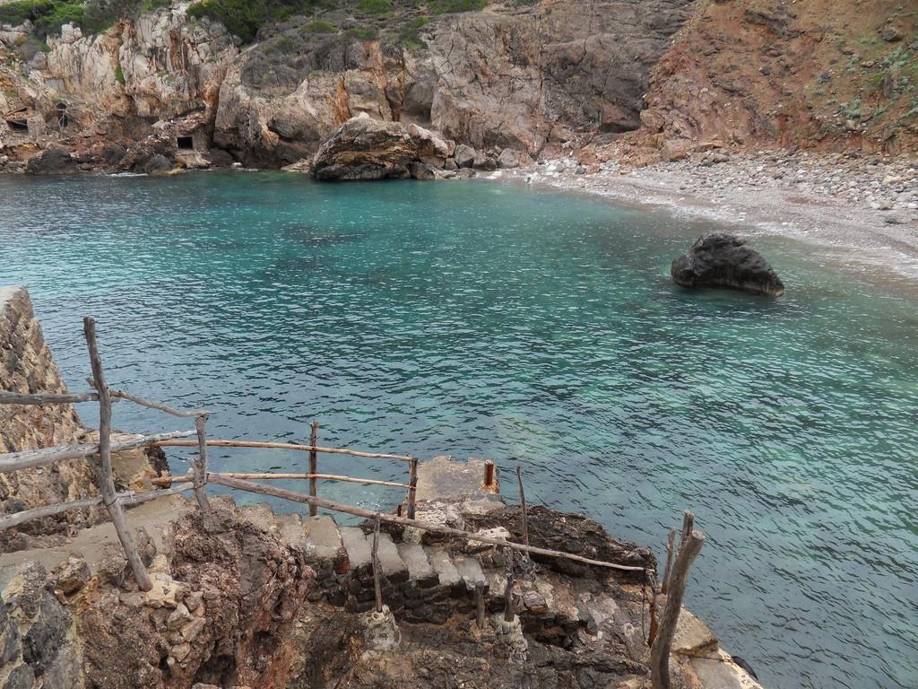 Cala Deia where Graves swam daily © Marga Carrió / Flickr