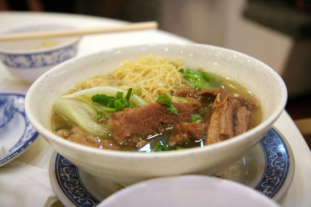 Beef brisket noodles | © Joy Tong / Flickr