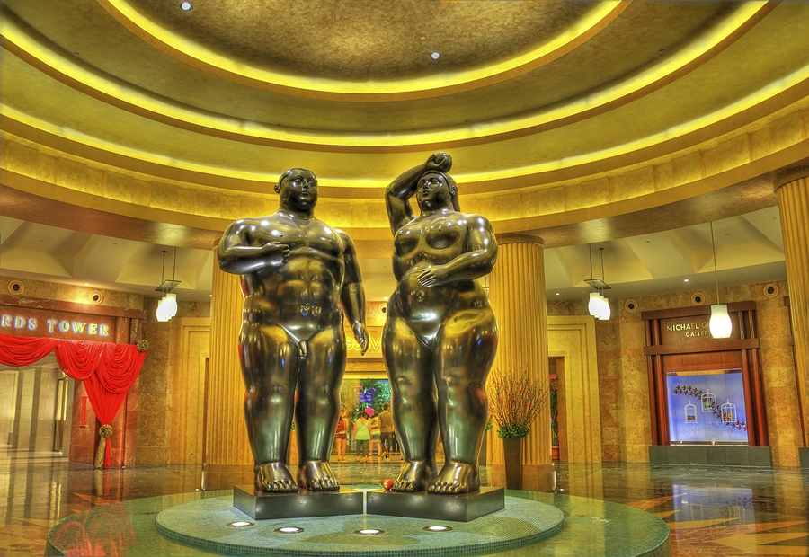 Botero's Adam and Eve Statues in Singapore © Schristia / Flickr