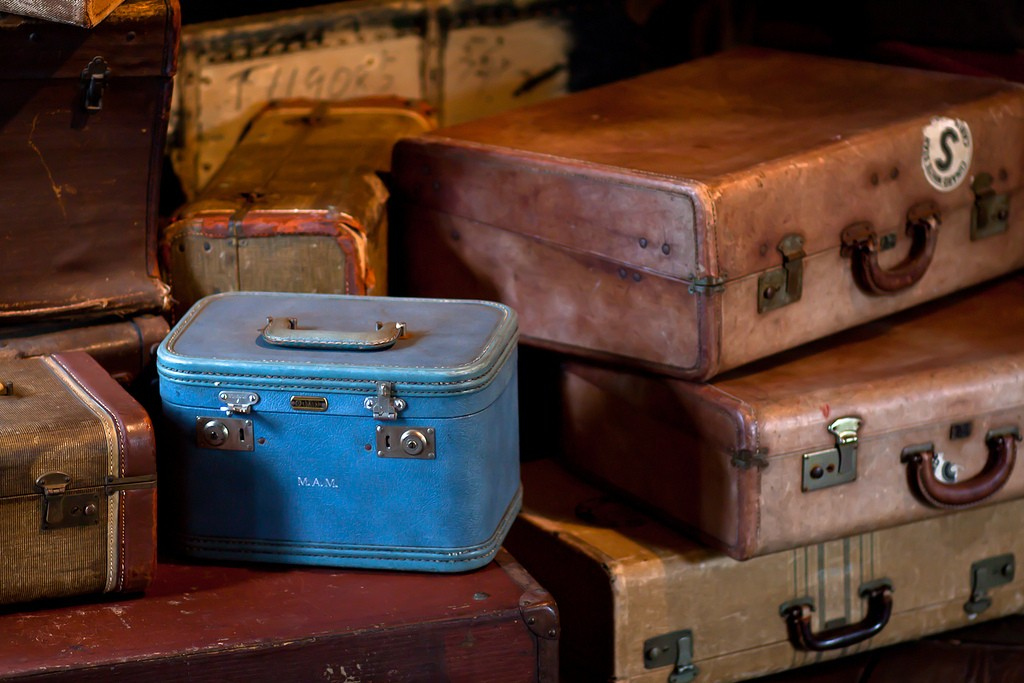Vintage cases © Drew Coffman / Flickr