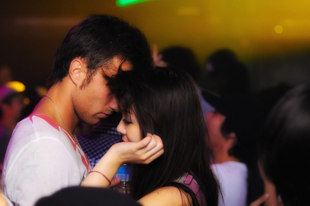 A couple dances at Womb nightclub in Shibuya | © dat'/Flickr