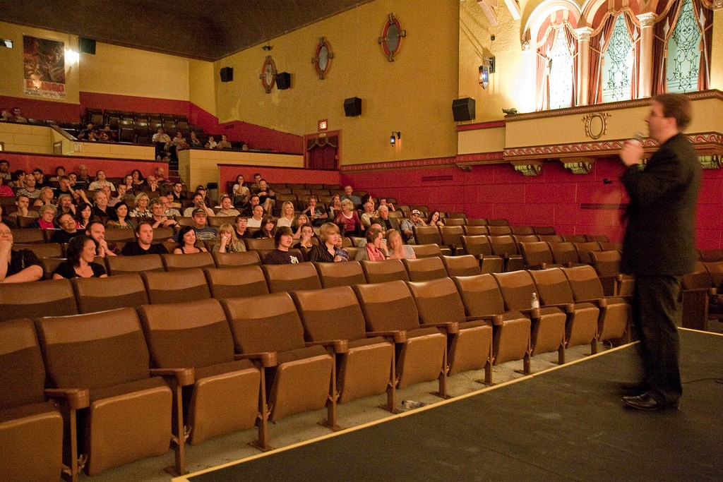 Inside the Mayfair Theatre | © David Carroll / Flickr