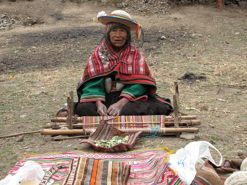 Indigenous Weaver | © Where There Be Dragons/Flickr