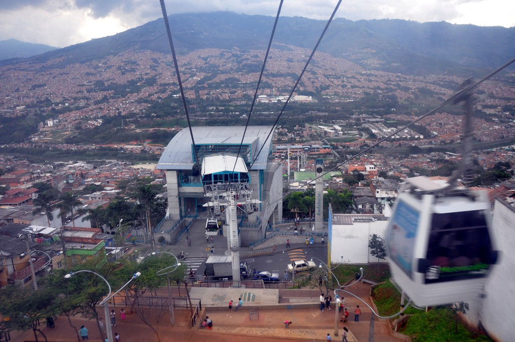 Medellin Cable Cars © Jorge Láscar / Flickr