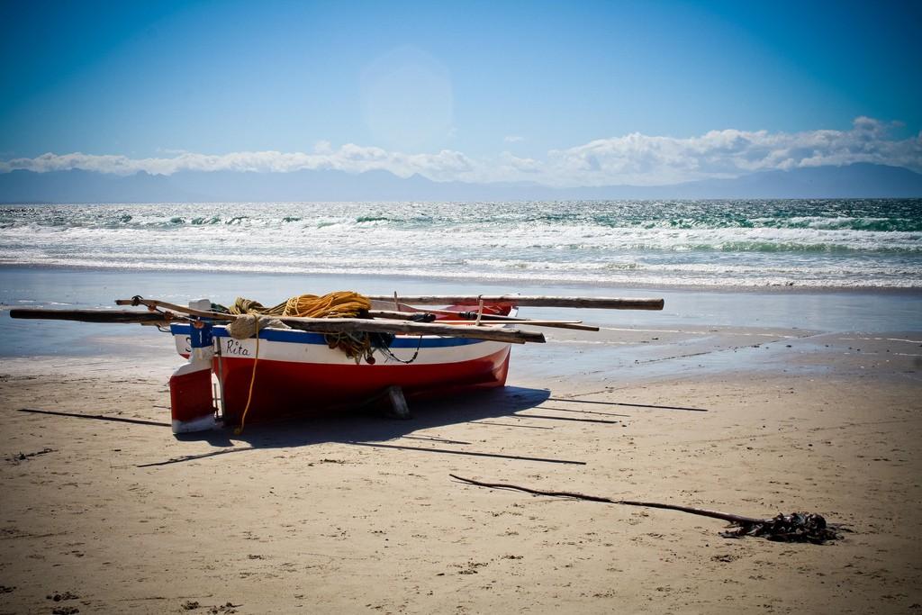 Fishing boat, Fish Hoek Beach © Jolene Thompson/Flickr