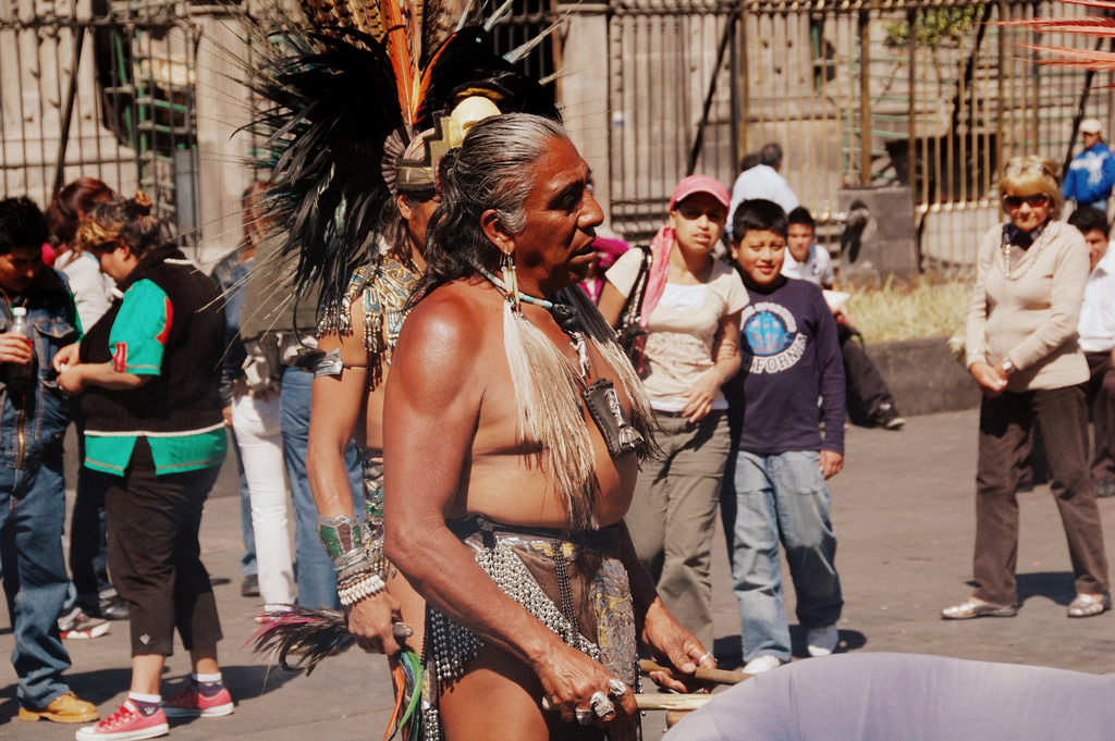 An Aztec Dancer in Mexico City | © LWYang/Flickr