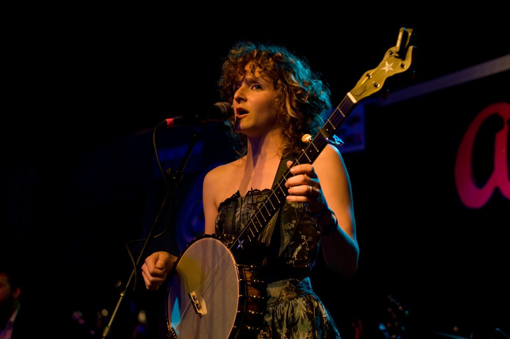 Abigail Washburn performs at SXSW in 2011 | © Manny Moss / Flickr