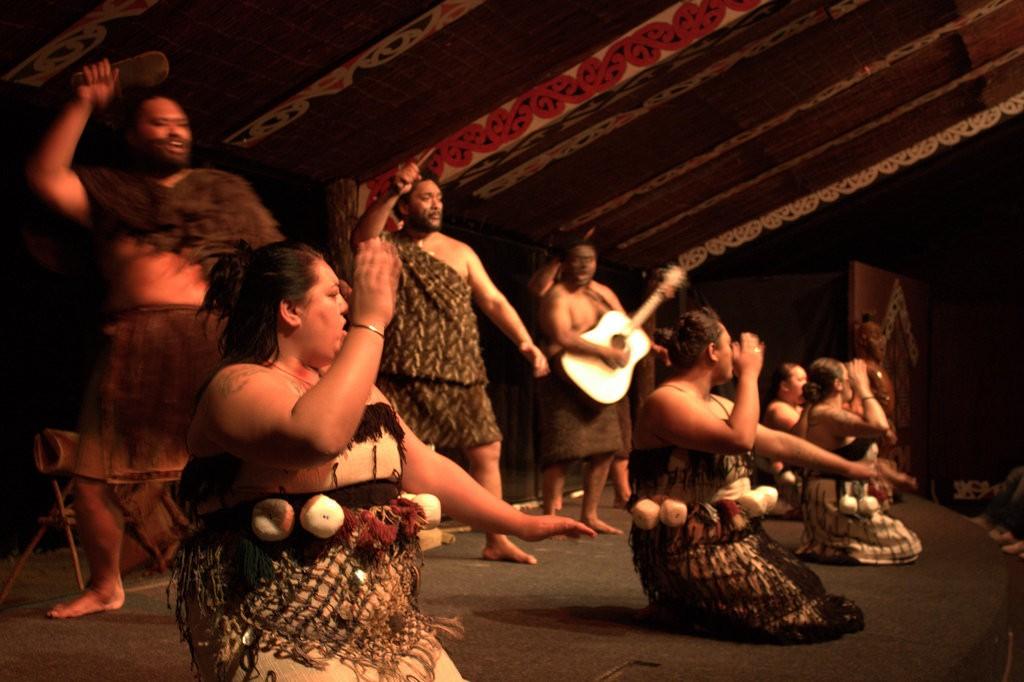 Performance at Tamaki Maori Village | © RaviGogna/Flickr