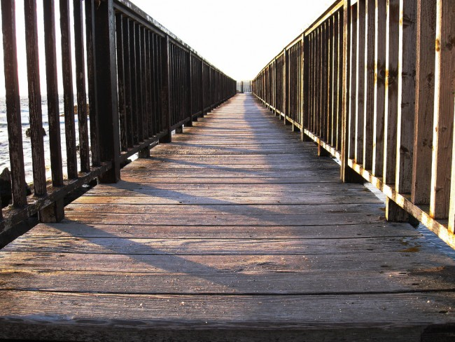 Bridge on Ballycastle Beach | © Nick/ Flickr