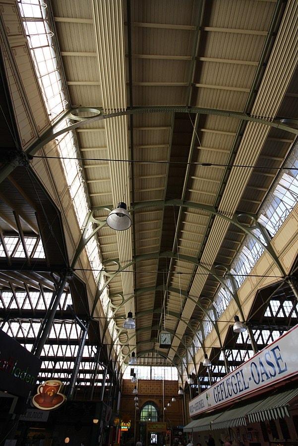 601px-Arminiusmarkthalle-Innenansicht