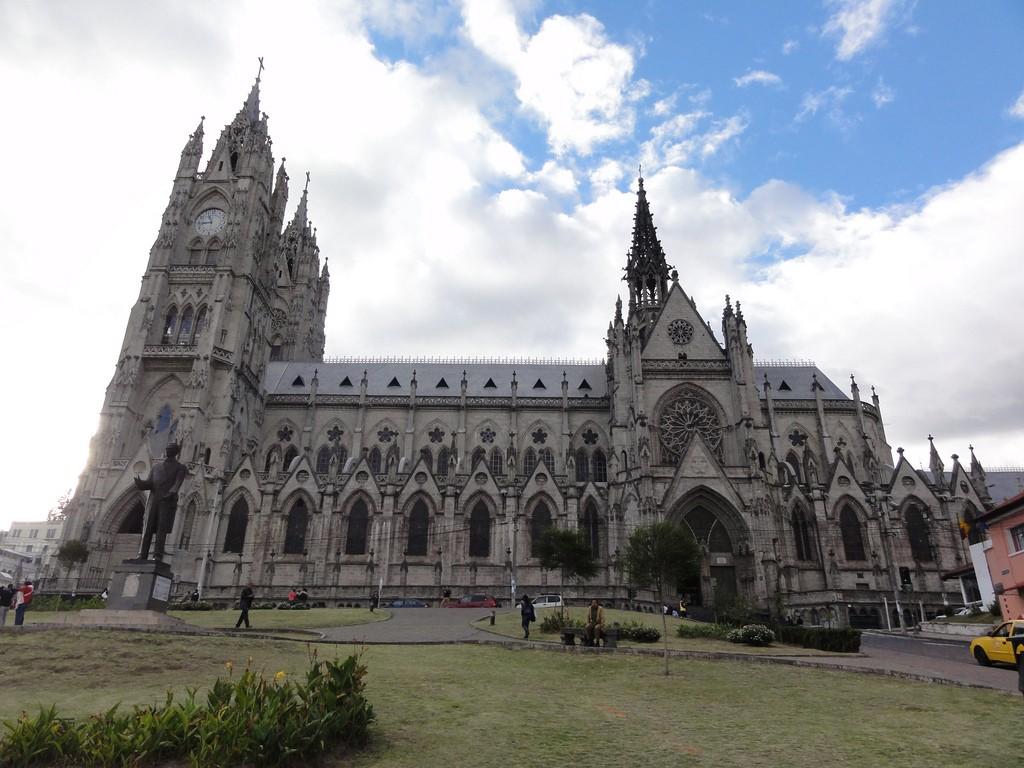 Basilica del Voto Nacional@flickr.com