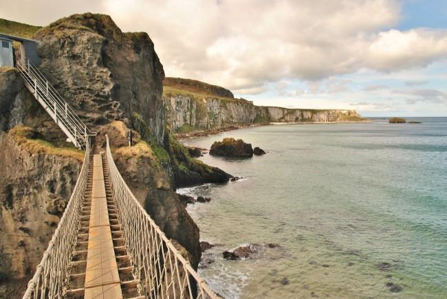 Carrick-a-Rede Rope Bridge | © John5199/ Flickr