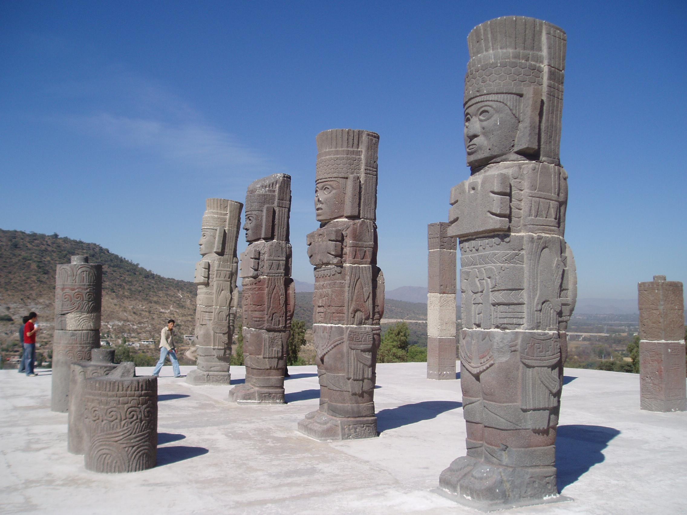Tula's Toltec ruins | © Steve Cadman/Flickr