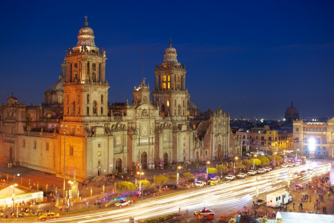 Mexico citys 12 must see landmarks for first timers catedral metropolitana sciox Gallery