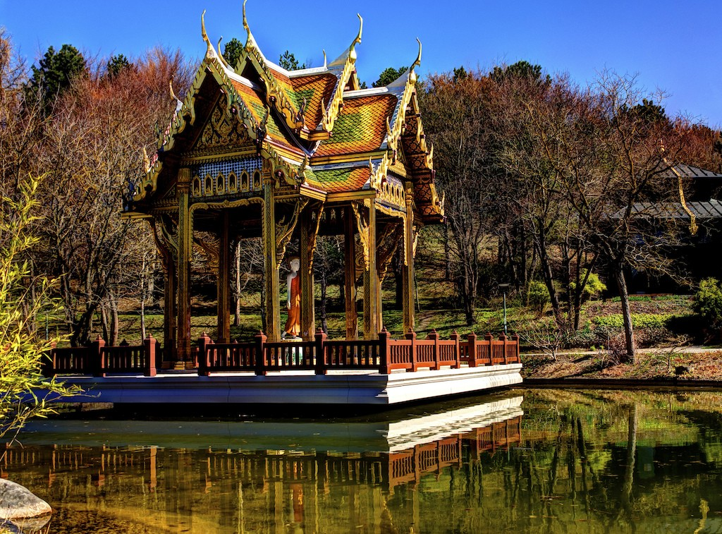 Thai temple in West Park © Polybert49 / Flickr