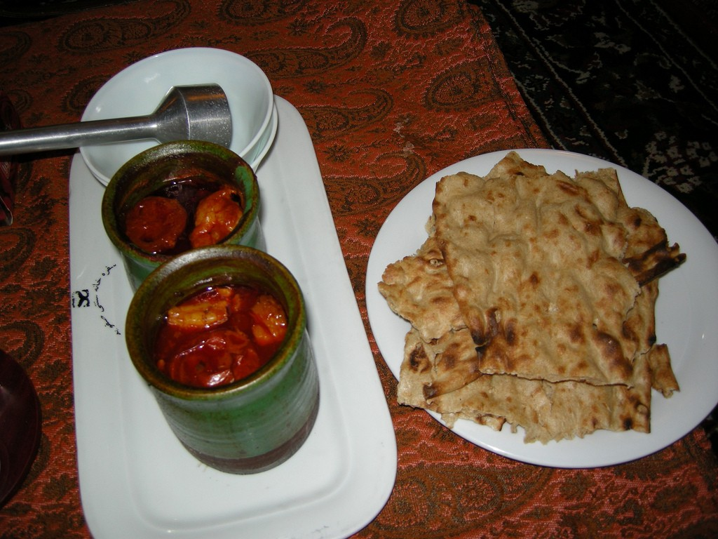 Dizi is cooked and served in a clay pot   © Pontia Fallahi