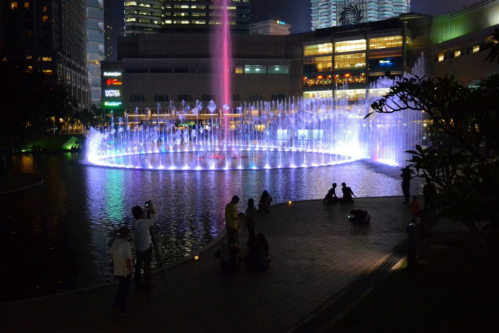 Symphony Fountain at KLCC Park | (c)Aapo Haapanen / Flickr