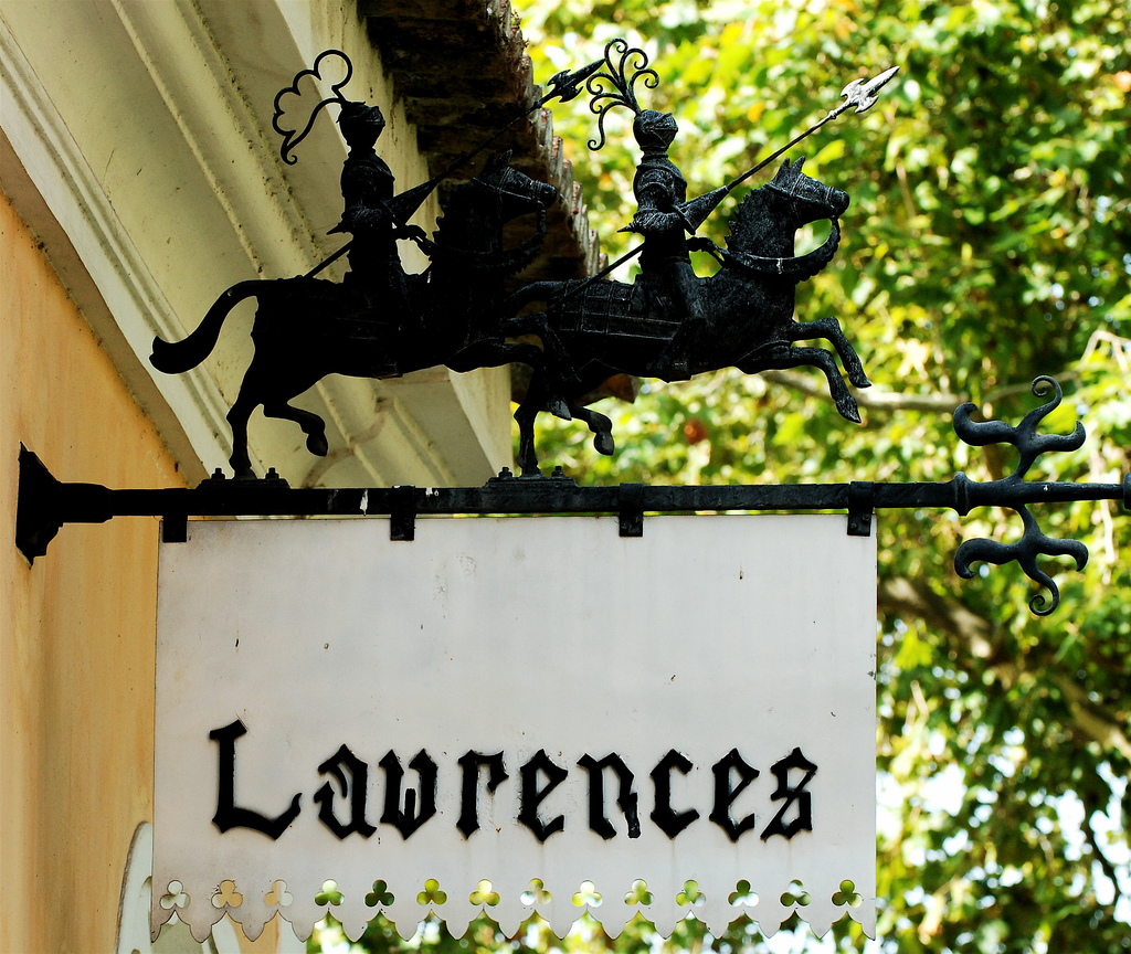 A sign at the Lawrence's Hotel © Pedro Ribeiro Simões / Flickr