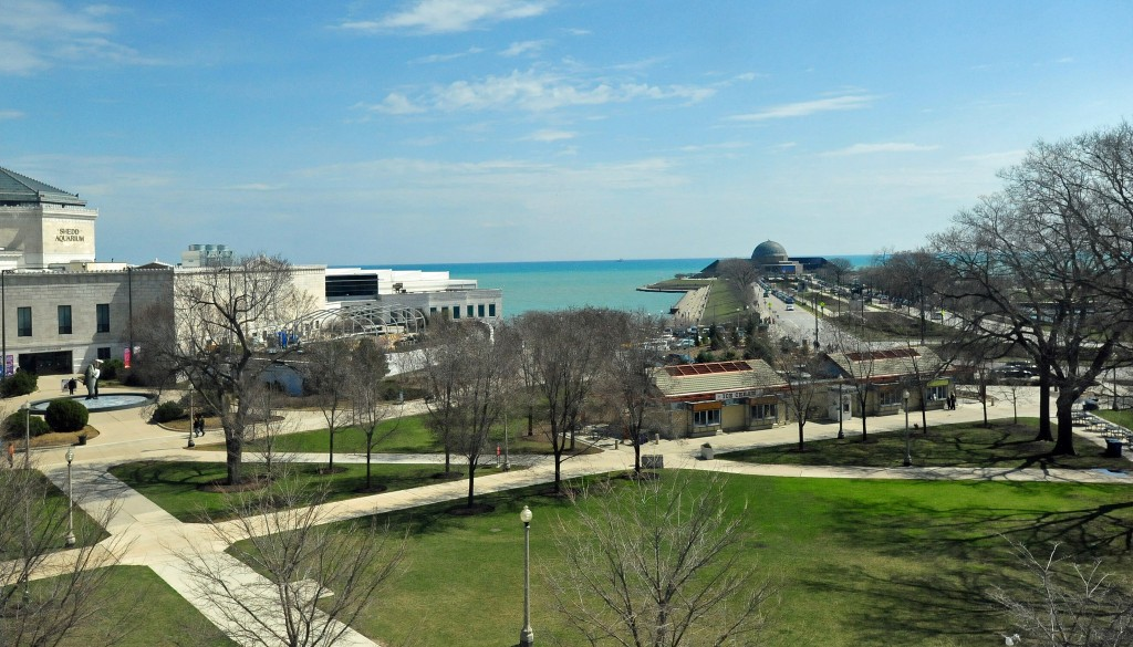 Shedd Aquarium and Adler Planetarium at Museum Campus | © Heather Paul/Flickr