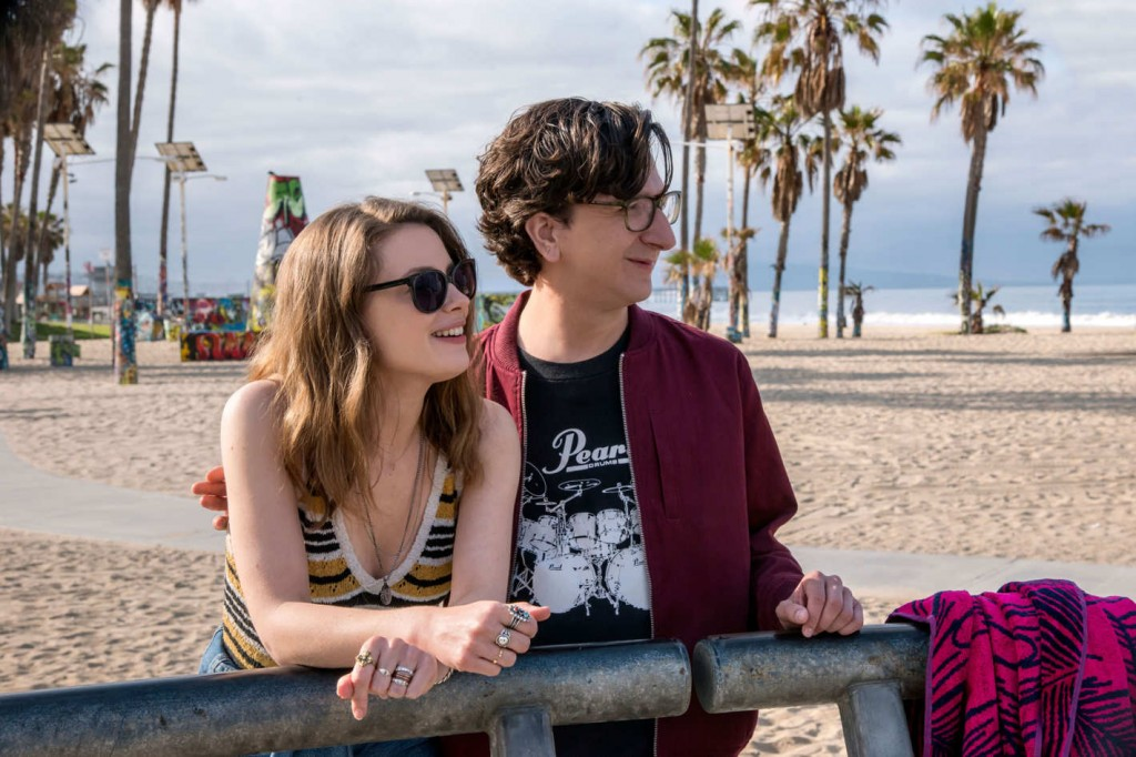 Gus and Mickey at the beach|Courtesy of Netflix