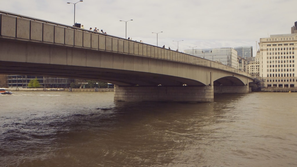 A History Of London Bridge In 1 Minute