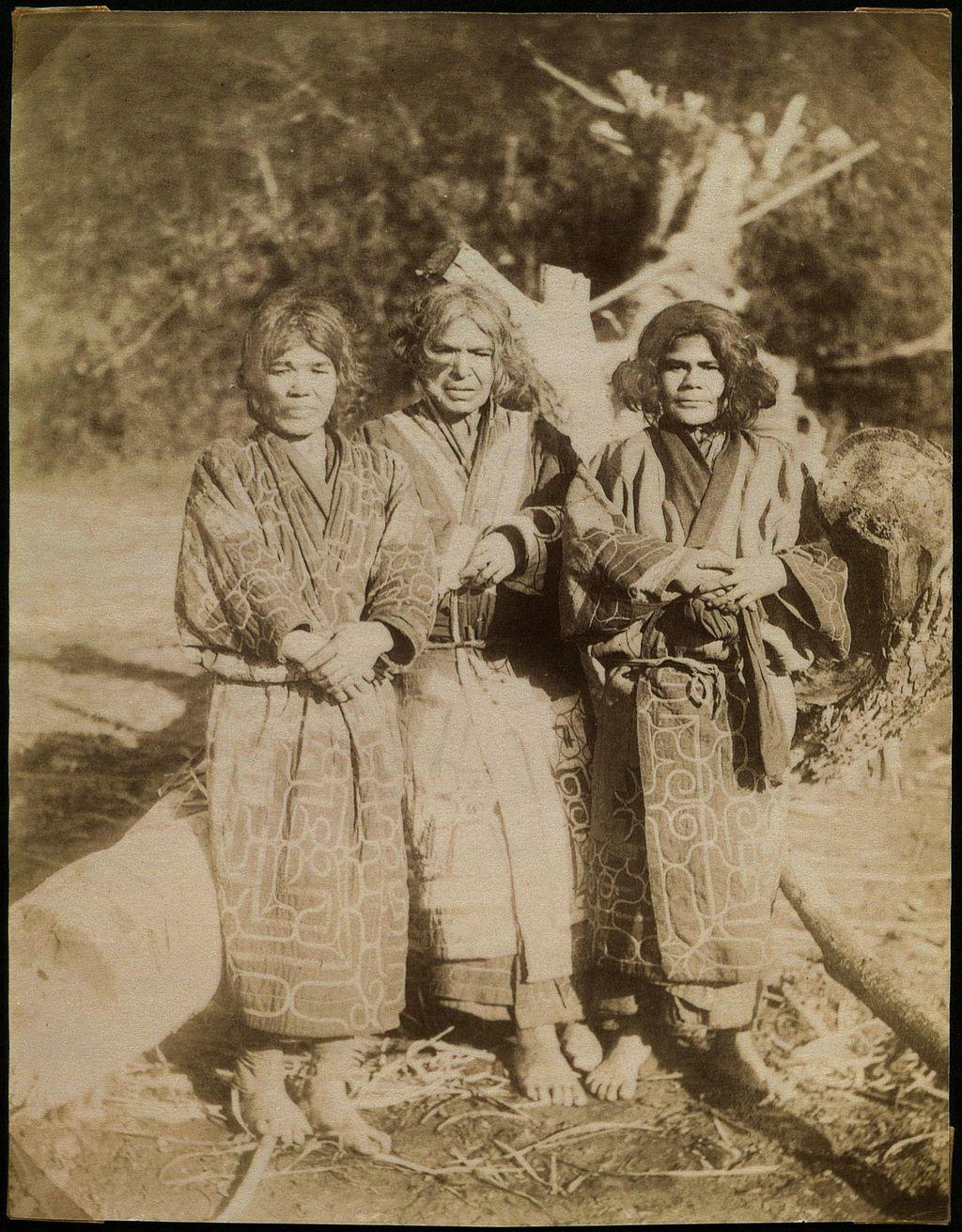 Ainu women on Sachalin (Sakhalin)   © National Museum of Denmark / Wikimedia Commons