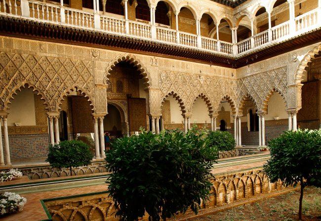"<ahref=""https://pixabay.com/p-1312572/?no_redirect"">Internal courtyard at Seville's Royal Alcázar Palace | © jackmac34/Pixabay</a>"