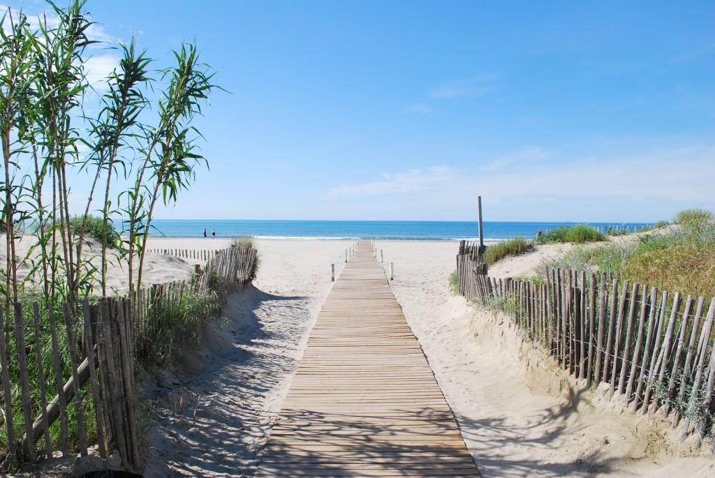Beach Close to Montpellier   © 123web / Pixabay