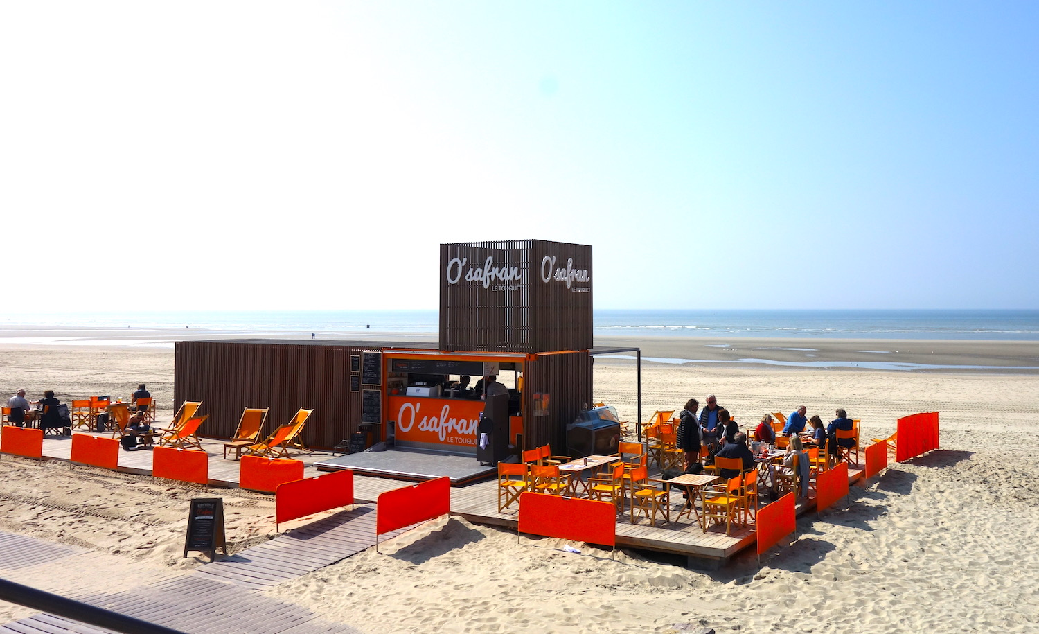 Bar Le French Flair the best seafood shacks and beach cafés in le touquet, france