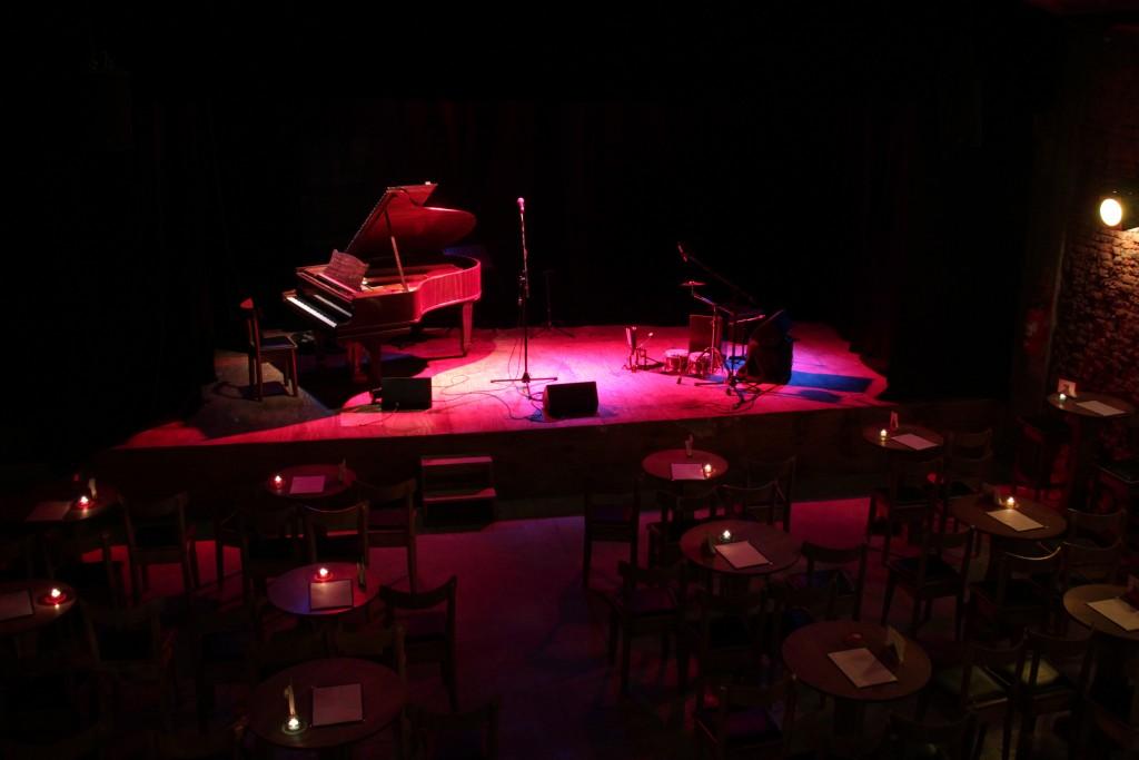 The stage at Cafe Vinilo | © Cafe Vinilo