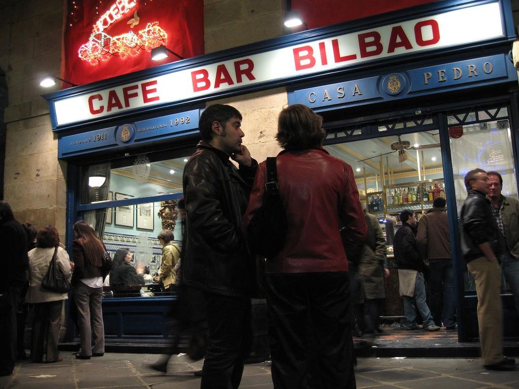 Cafe Bar Bilbao | ©jose angel / Flickr