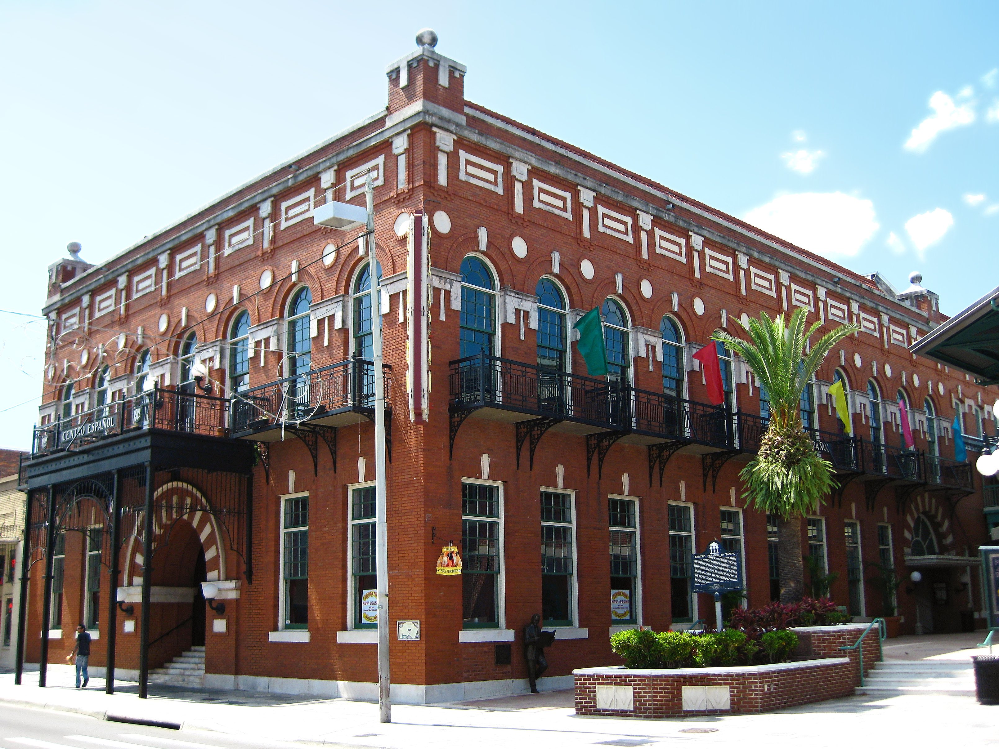 A Walking Tour Of Ybor City S Architectural Gems