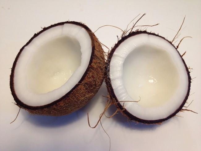 Coconut Meat|© manueltapi/PixaBay