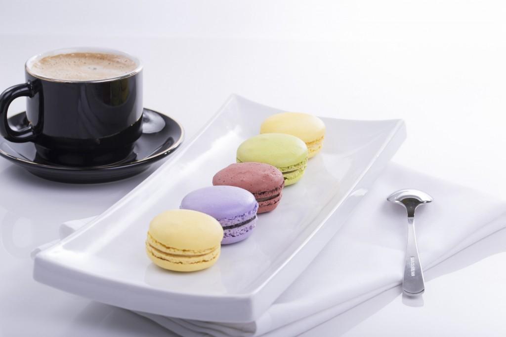 Coffee and macarons │© 2cassis / Pixabay